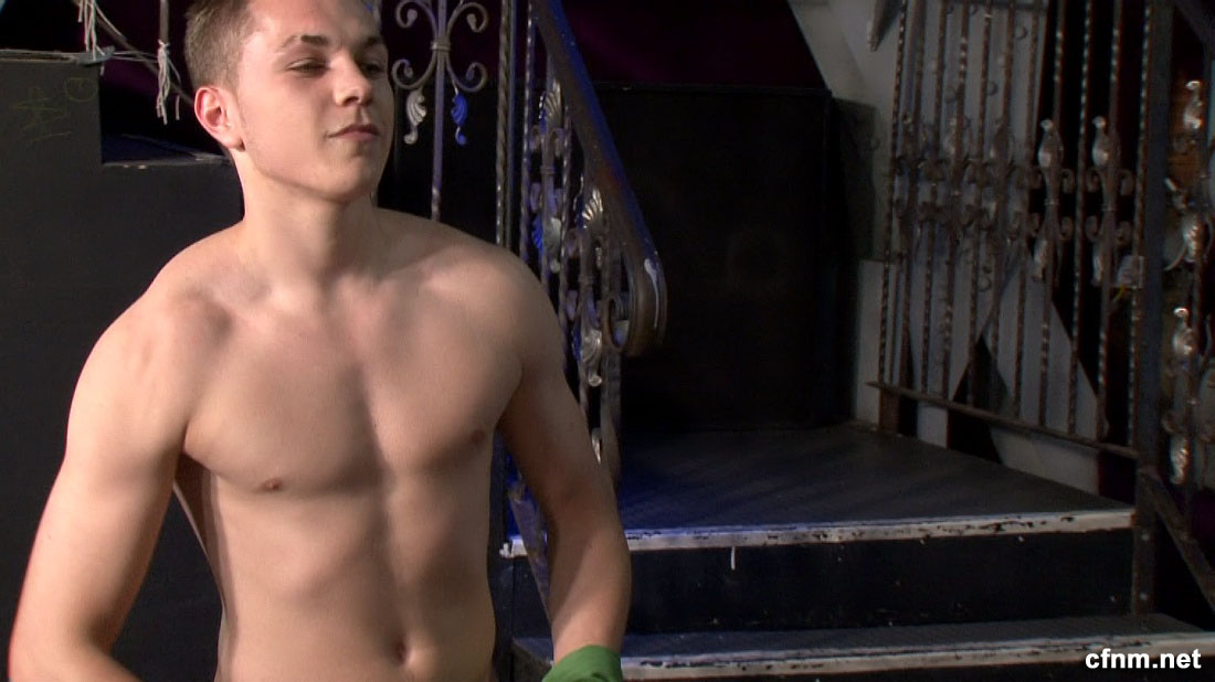 male strippers completely nude